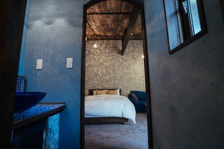 Bedroom ①