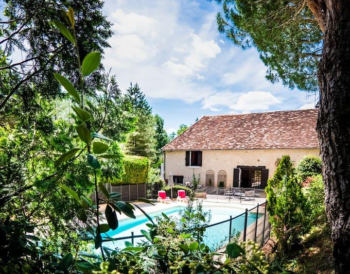La Grange French barn sleeps 8 with exclusive pool