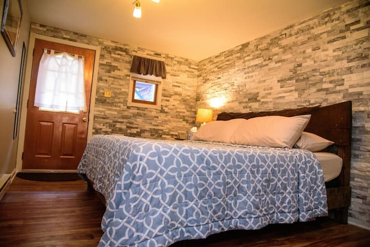 High Street Guesthouse, Apartment E in historic JT