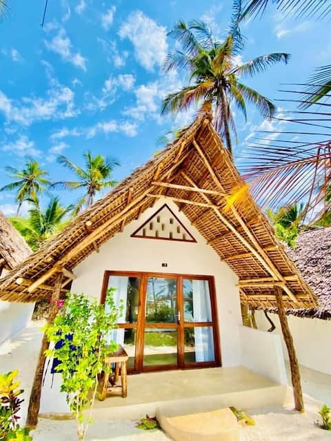 Mnana Beach Bungalows Room with private bathroom10