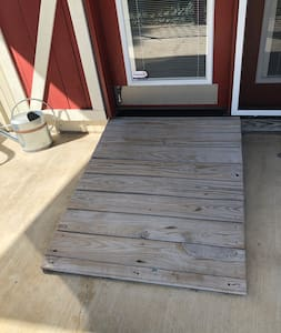 Low rise ramp makes entering with ease