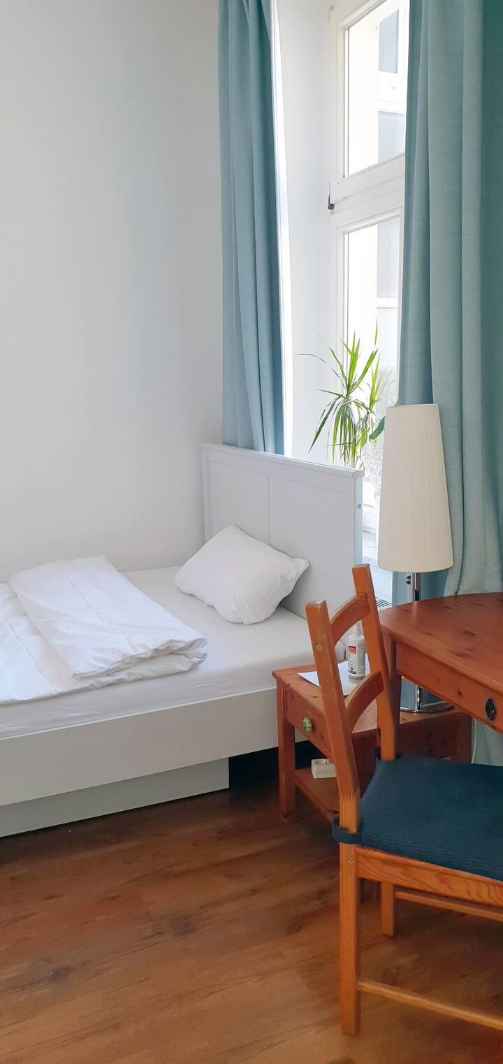 Modern apartment at the Hasselbachplatz