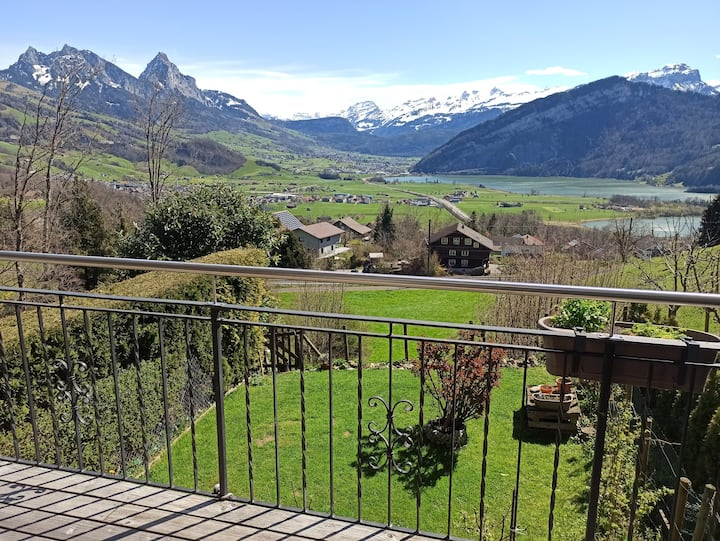 ENJOY THE SERENITY AND THE VIEWS NEAR LUCERNE