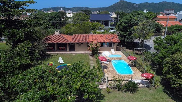 Apartamentos em Bombinhas com piscina