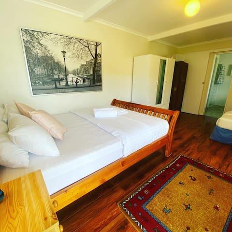 Downstairs Bedroom - Sleeps 3 guests