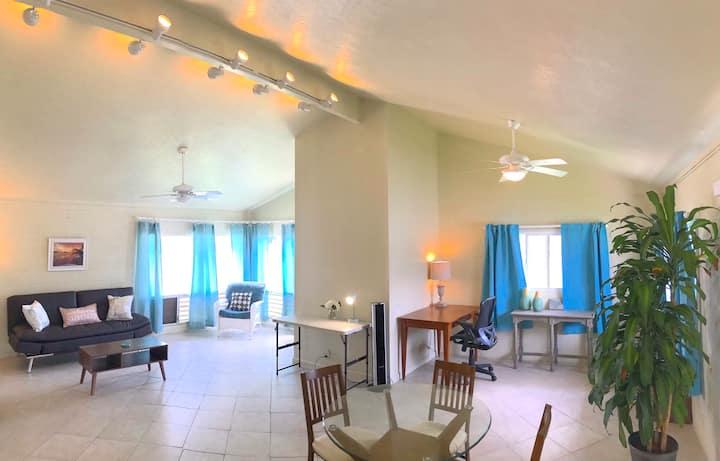 Kailua, huge duplex, office, yard, BBQ