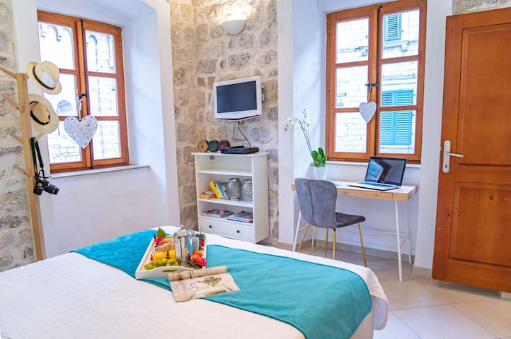 La Dolce Vita Apartment II - Old Town Kotor. Quiet, Cozy, Comfortable place for your vacation in Montenegro. Tivat. Porto Montenegro 10 km away. Beach, sea, day tours, excursions, visit, book your trip, rent a car, restaurants, cafes,  great dining.