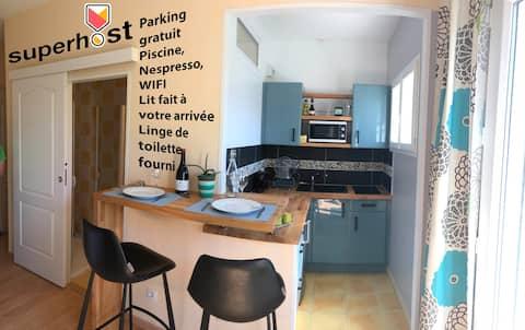 1 studio au calme sdb cuisine wc piscine & parking