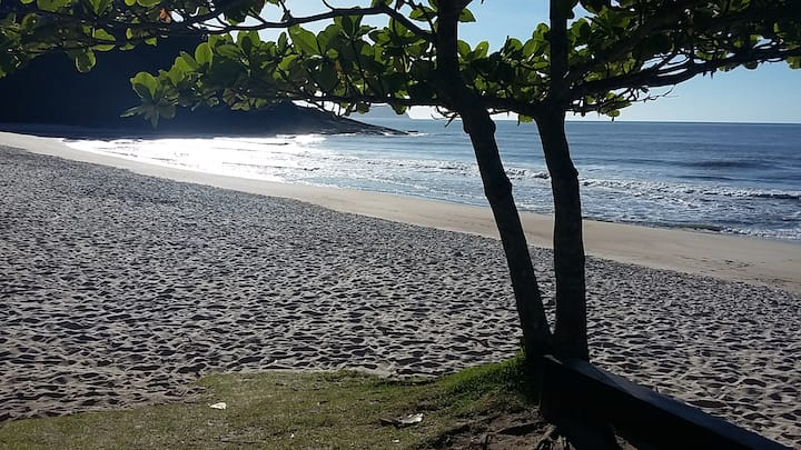 Praia da Juréia - Chalé em condomínio tranquilo.