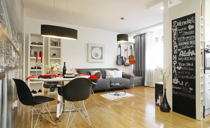 Brand New Apartment- 13 min walk from Main Square