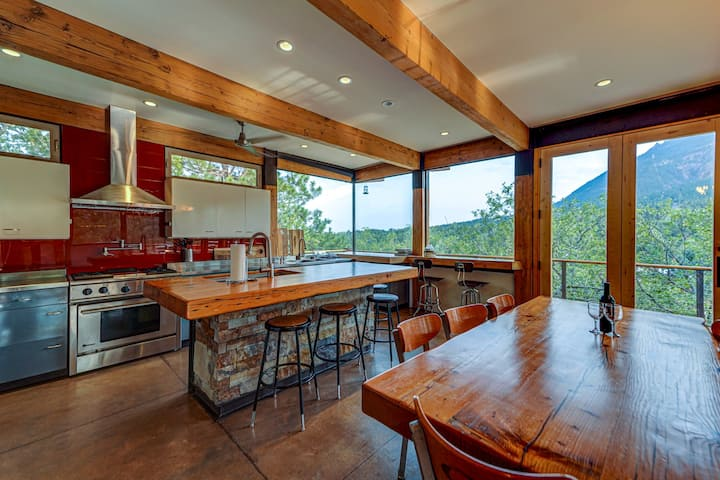 Spectacular views • Stunning modern broadmoor home