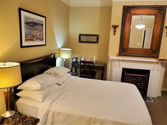 Abba Guest House Queen Bed
