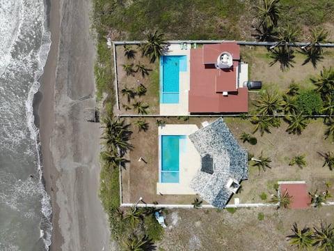"""Casa """"Sol y Luna"""" Costa Smeralda pool and beach"""