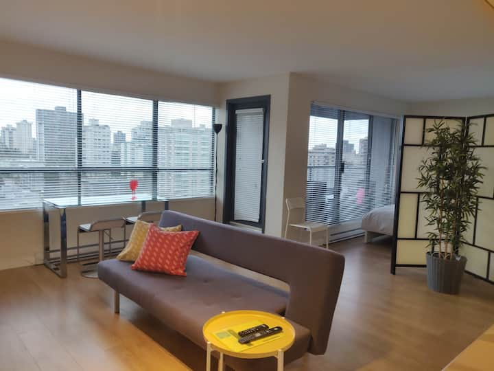 Cozy Suite in DT Vancouver@ Burrard / Alberni