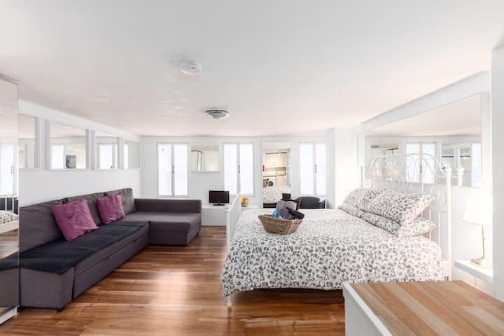 60% Discount!Fantastic SOHO Studio Apartment-FRI-3
