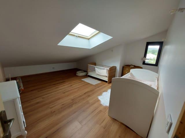 Chambre 2 Etage  Possibilité d'aménager les chambres avec des lits simples ou doubles