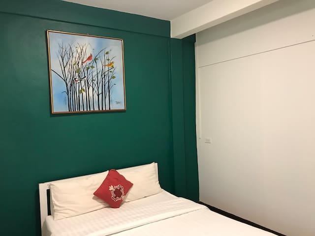 Wandering Room by 6days7nightsbkk @BTS ratchadhewi