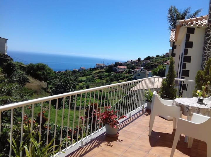 Casa Da Fonte Dos Castanheiros with ocean/ seaview