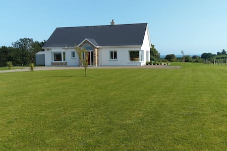 Tinnaberna-View - Cosy Bungalow close to Beach