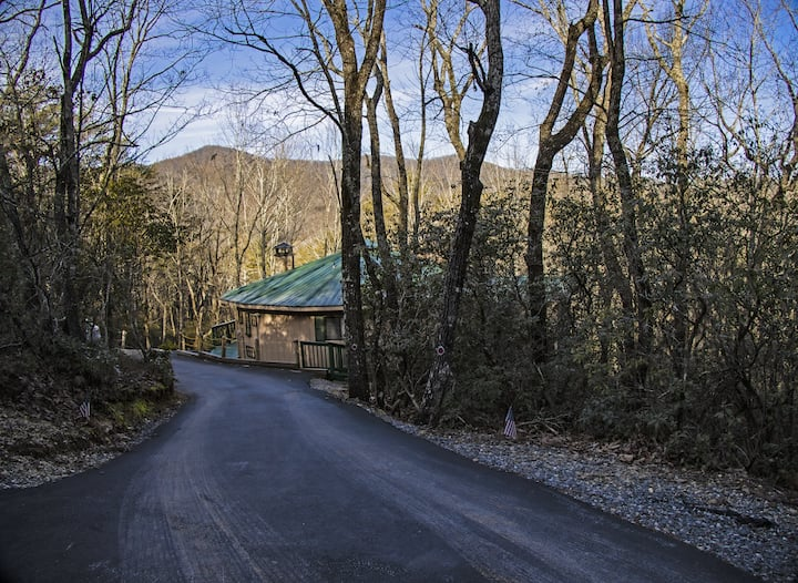Little Andy Mountain Roundhouse w/ Views in Helen