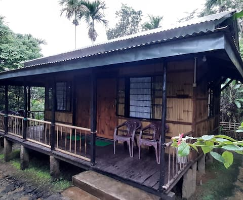 Mawlynnong Bamboo Cottage Room II