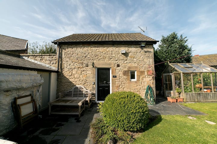 The Henhouse - gorgeous 1 bedroom cottage