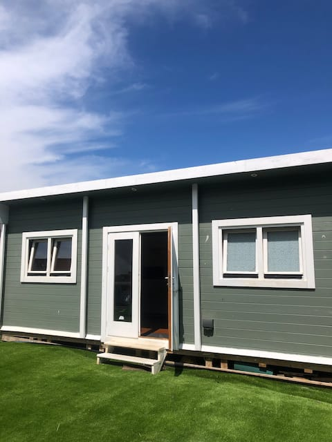 Carlton Cabin - 7mins to Airport and Ryanair HQ