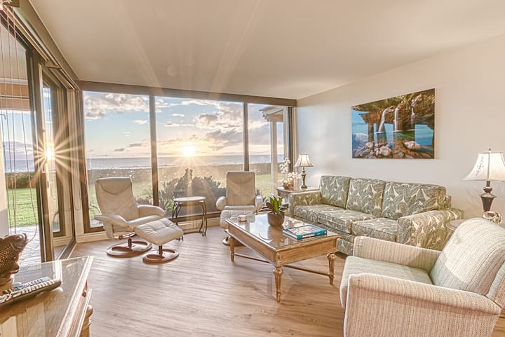 The Mahana Suite 114 - On The Beach & Oceanfront