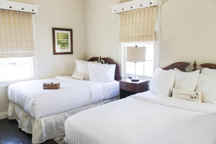 Villa Adelina Gardenia Room