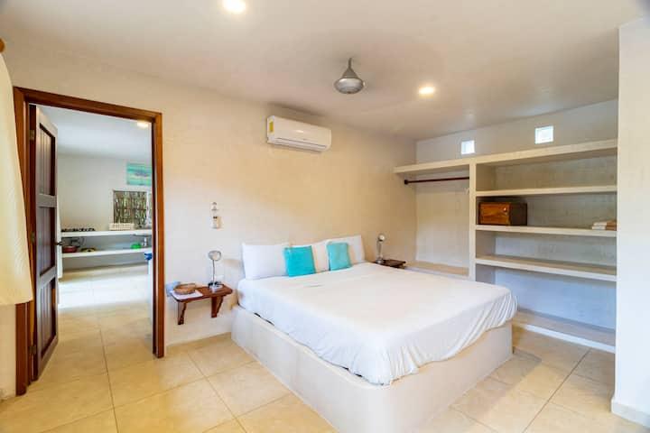 """Hotel & Suites Oasis Bacalar  """"Suite Mono"""""""
