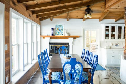 The Bluebird Cottage - Waterfront in Athens!