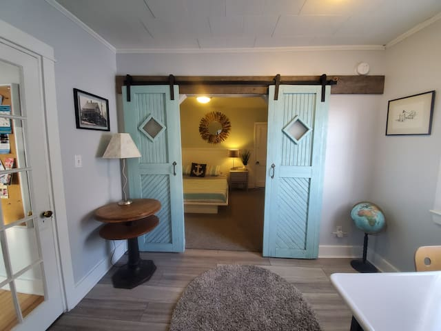 Office/Large Bedroom Entrance