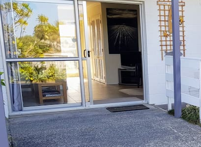 Separate entrance to downstairs apartment - no steps to enter