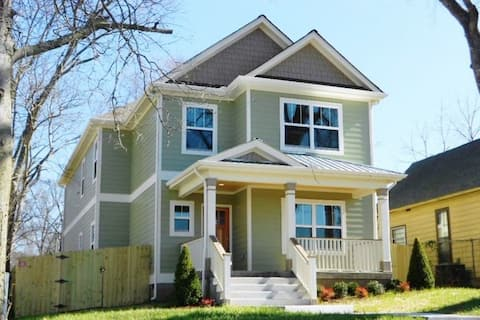★Nashville's Spacious & Comfy Home Away From Home★