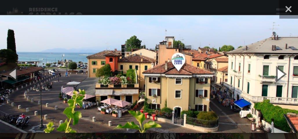 Residenza Giovanni in centro fronte Lago❤️ 6  letto