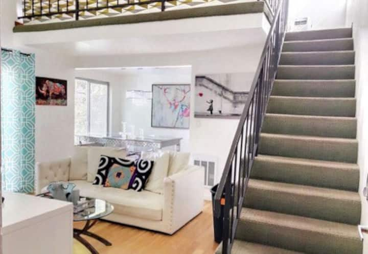 Santa Monica private 1 bedroom + loft with views