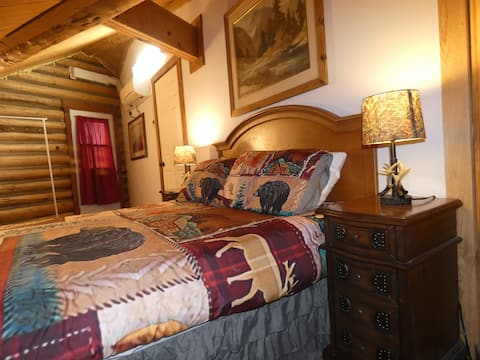 Yellowstone One Bedroom Log Cabin Apartment