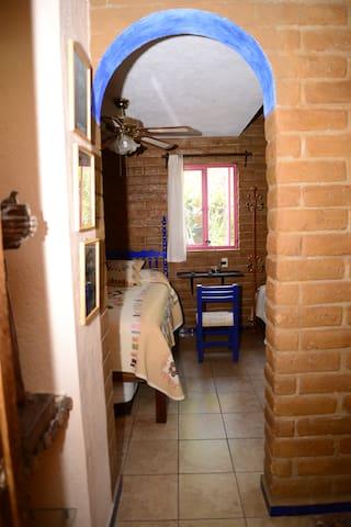 Es el acceso al área de descanso de la villa.