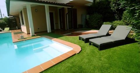 Private Pool House in a Strategic Spot