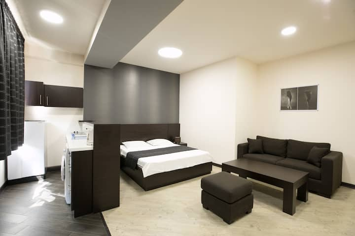 Heart of Yerevan!!!!!!! (Studio apartment #10)