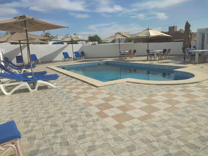 Résidence Nejma avec piscine et a 600m de la plage