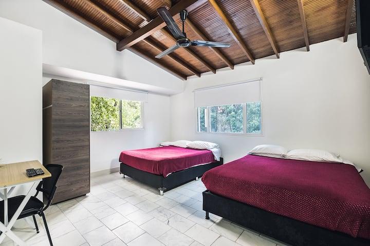 Habitación cuadruple priv  baño-breakf en Poblado