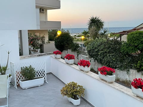 Two-room apartment with large  terrace overlooking the sea