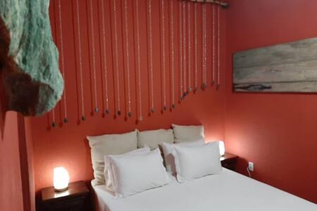 Uaná Etê - Andar vermelho com varanda