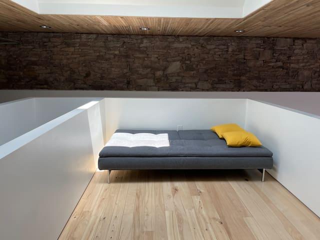 4th Floor - Sleeper Sofa