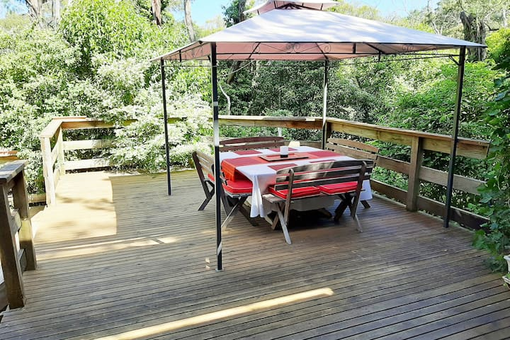 *Entire Comfy 3 bedroom family home, Healesville*