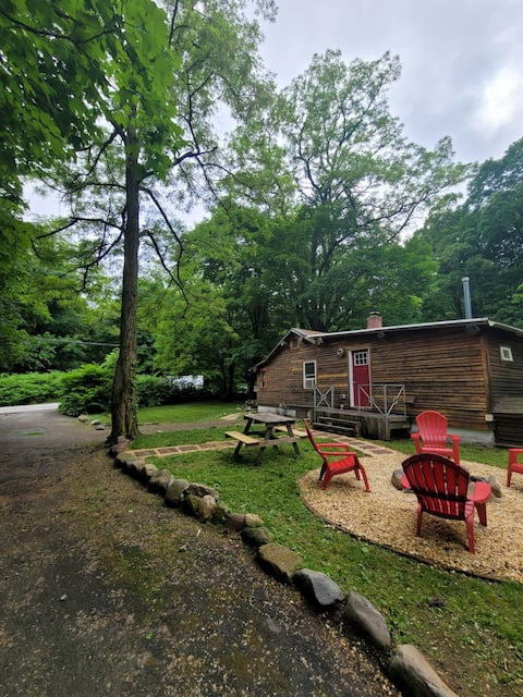 Pallet cottage