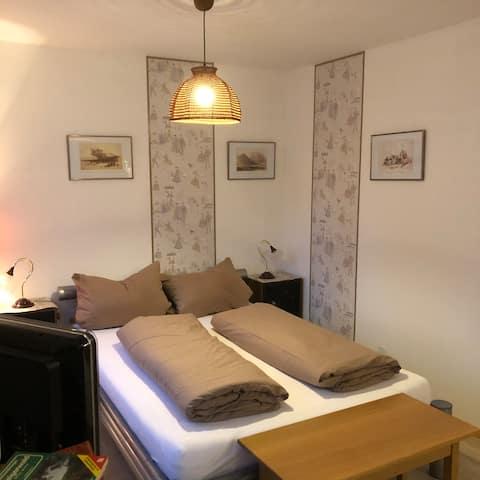 Apartment mit Bad & Singleküche + Gartennutzung