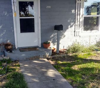 36 in. wide front door with one step
