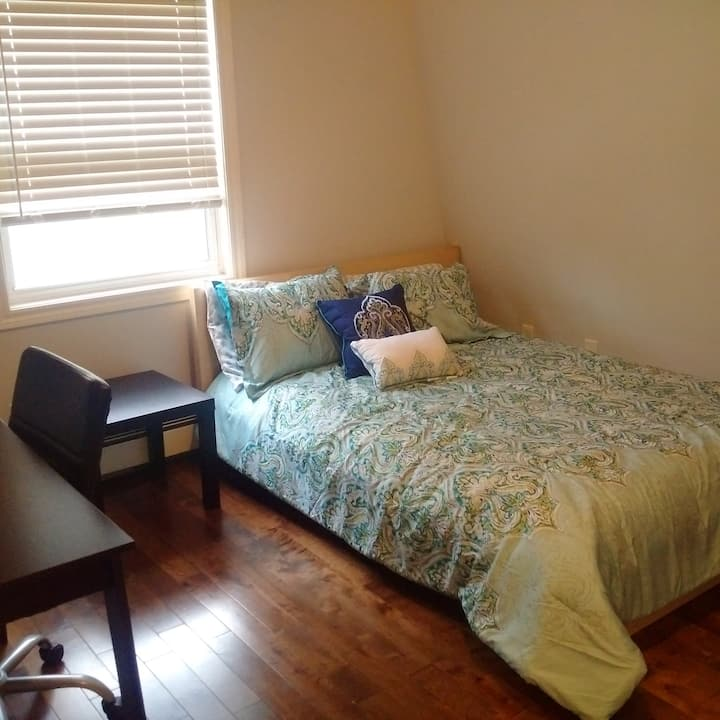 Charming home/bedroom(s) in Halifax's North End